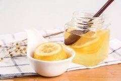 酒后蜂蜜水的正确喝法(酒后喝蜂蜜水的效果和用处)