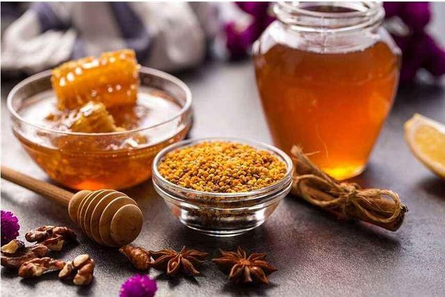 经常喝蜂蜜对身体好吗(常喝蜂蜜有什么好处)