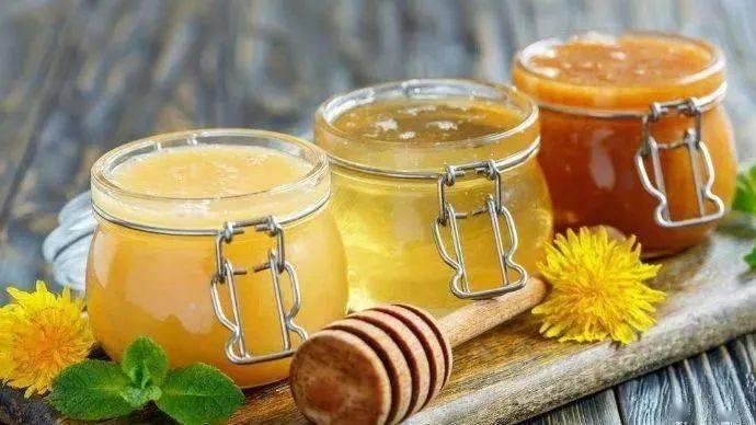 蜂蜜包装有哪些技巧(蜂蜜要用什么瓶子装才好)