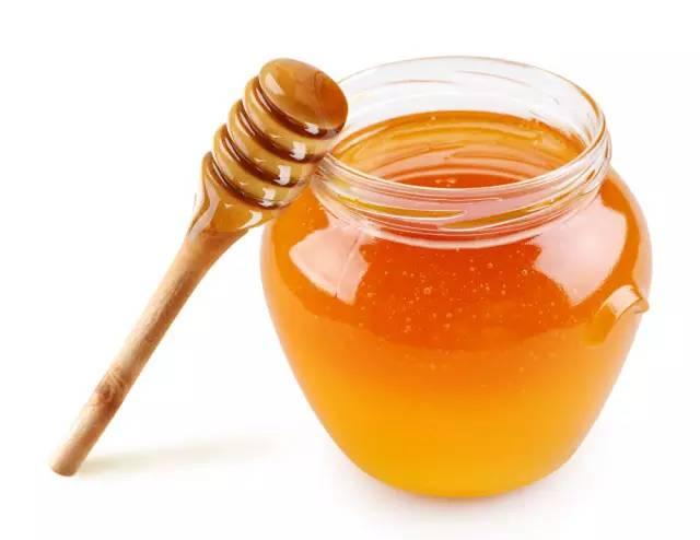 蜂蜜与蜂王浆的区别是什么(蜂王浆和蜂蜜有什么功效)