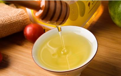 蜂蜜是蜜蜂的什么产物(蜂蜜是蜜蜂的分泌物吗怎么产生的)