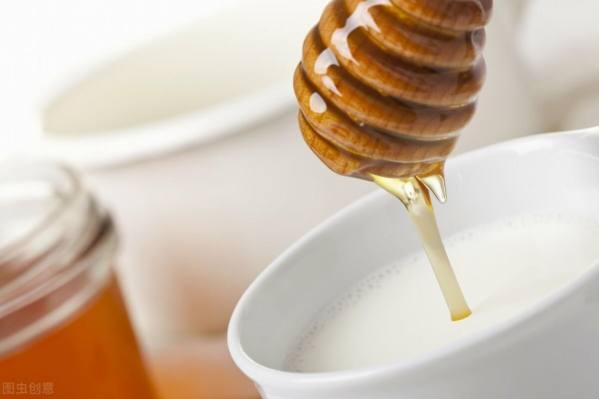 如何判断蜂蜜是否变质(什么样的蜂蜜算是变质了)