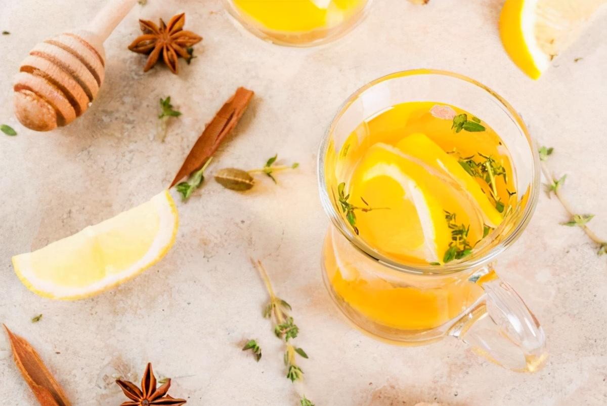 蜂蜜水怎么喝才解酒(蜂蜜水如何解酒及正确喝法)