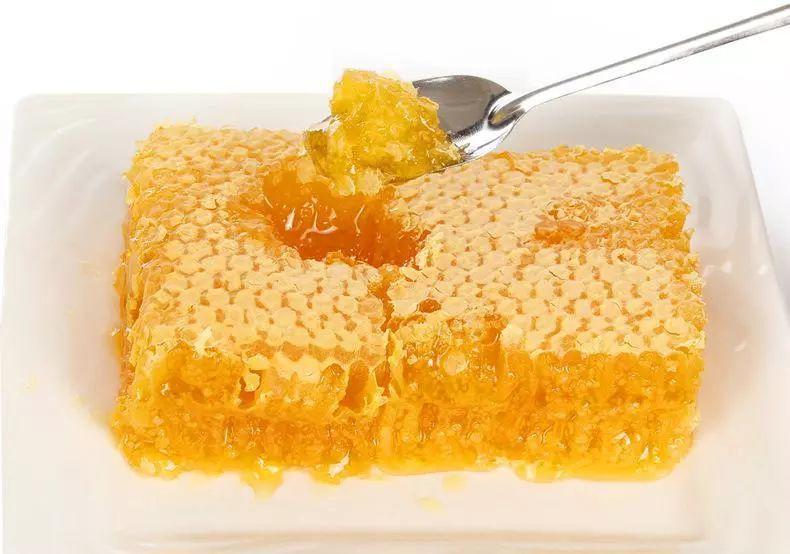 蜂巢蜜怎么吃最好(蜂巢蜜如何食用方法)