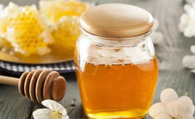 百花蜜和椴树蜜哪个好(蜂蜜椴树蜜好还是百花蜜好)