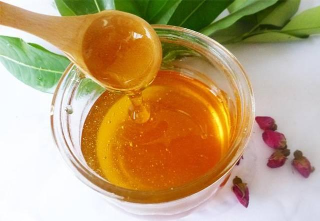 蜂蜜是花蜜吗(蜂蜜是怎么产生的)