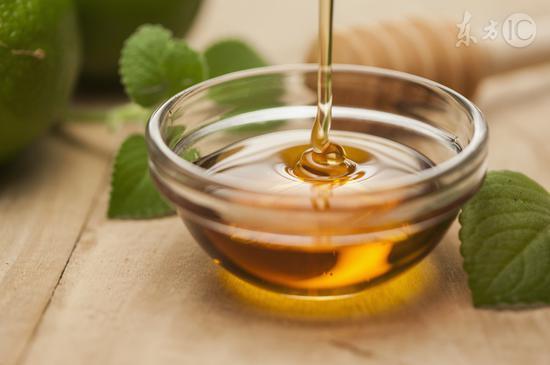 蜂蜜是热性还是凉性(如何判断蜂蜜的性状)