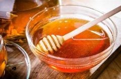 加工蜂蜜和天然蜂蜜区别(工业蜂蜜和天然蜂蜜的区别)
