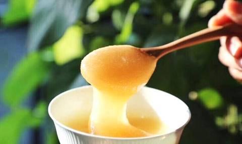 男人喝蜂蜜有哪些好处(男人喝蜂蜜对性功能有帮助吗)