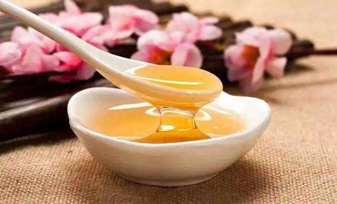 梦见吃蜂蜜是什么预兆(做梦梦见吃蜂蜜是什么意思)