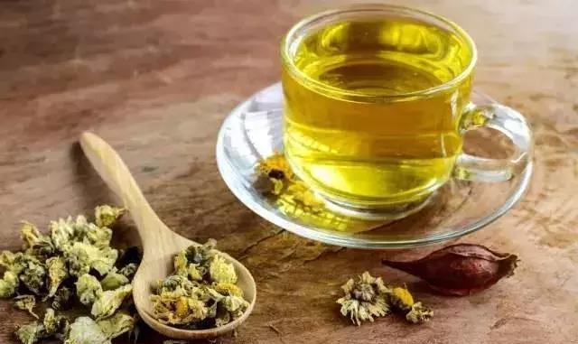 菊花蜂蜜茶的功效与禁忌(菊花茶虫蜂蜜有什么效果)