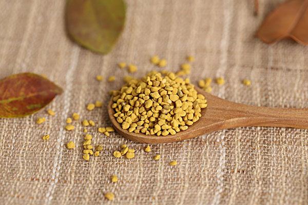 蜂花粉和花粉有什么区别(蜂花粉和花粉哪个更好)