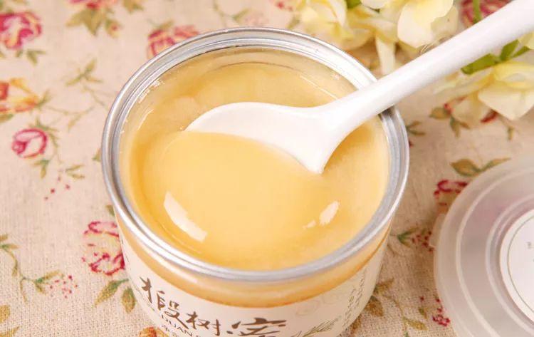 椴树原蜜和椴树蜂蜜的区别(椴树蜜与蜂蜜的区别)
