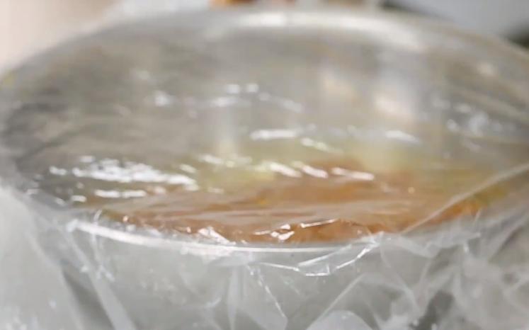 花粉如何发酵喂蜜蜂(喂蜜蜂花粉需要发酵吗)