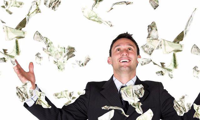 毕业10年内做什么年薪能到100万?网友:除了教师和公务员