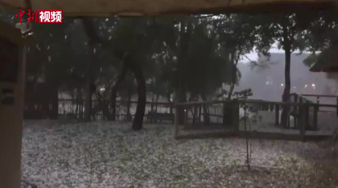 赤道附近喀麦隆罕见降雪!人类正处在大冰期中,全球变暖错了?
