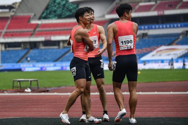 全运会苏炳添百米9秒95夺冠 上届冠军谢震业获得亚军