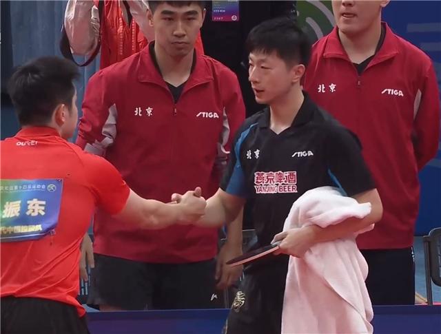邓亚萍批评奏效!樊振东开窍逆转夺冠,原来击败马龙靠的就这两招