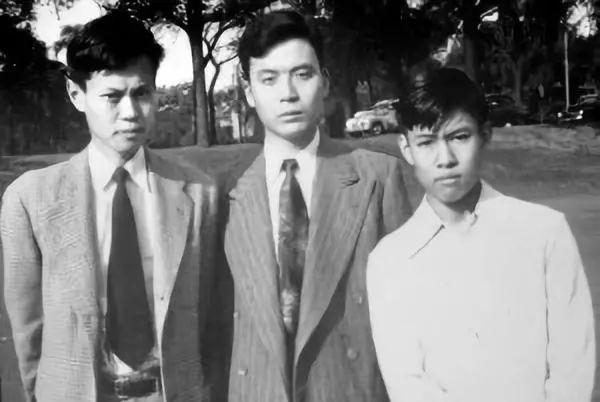 千里共同途!杨振宁百岁生日演讲,他与邓稼先的世纪友情让人动容