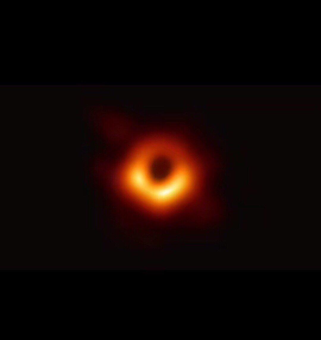 亮度相当于700万亿颗太阳,宇宙中最亮的黑洞,究竟有多可怕?