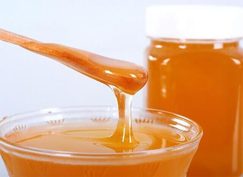 枸杞蜂蜜的作用与功效(枸杞蜂蜜对人身体的好处)