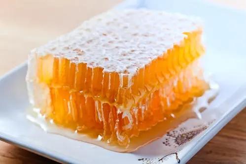 蜂王浆的四大作用(蜂王浆的功效)