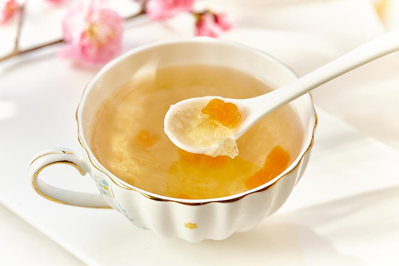意大利蜂和中华蜜蜂产蜜多少(意蜂和中蜂哪个产蜜强)