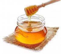 蜂王浆和枣花蜜哪个更补气血(蜂王浆和枣花蜜的区别)